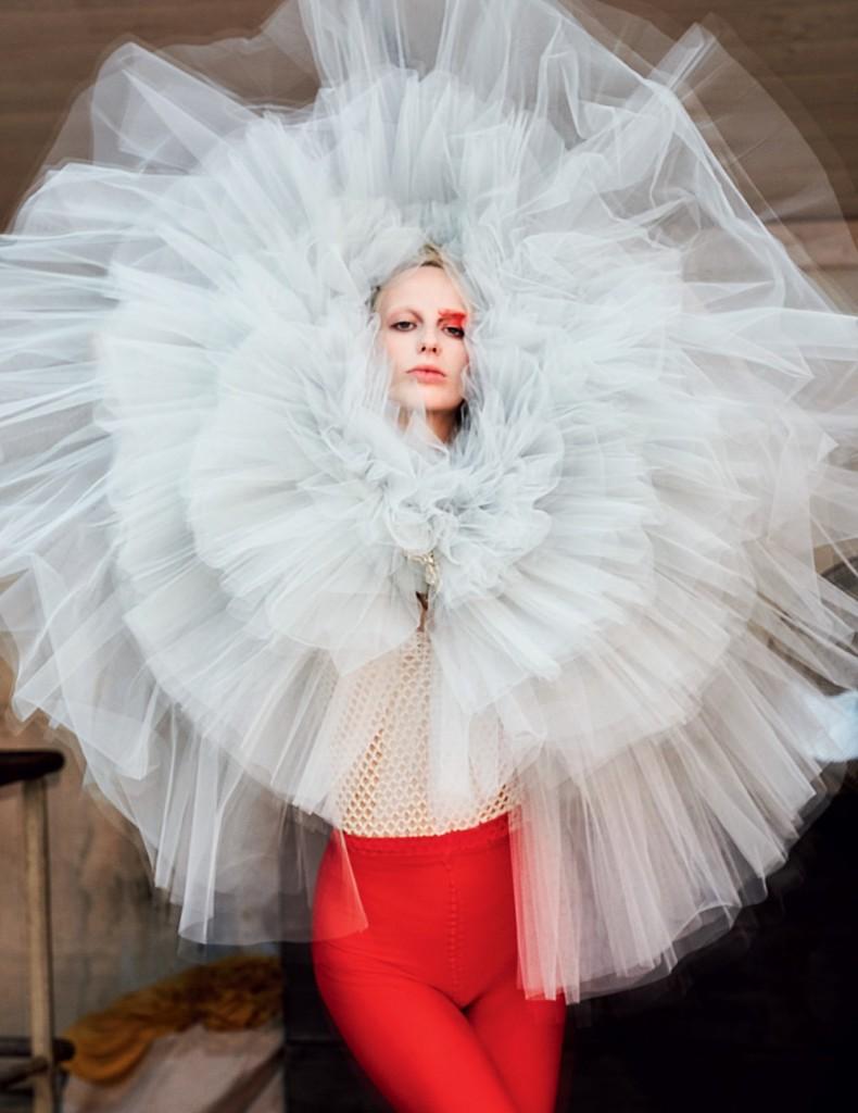 Vogue Russia December-2016- Giambattista Valli Haute Couture 11